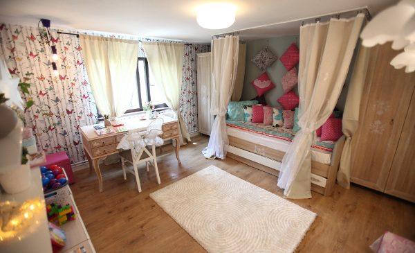 Echipa Visuri la cheie a dus mai departe visul lui Costi de a oferi familiei o locuință perfectă