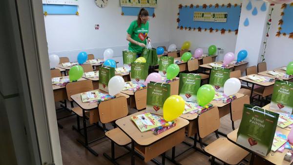 PROFI se extinde în continuare și oferă pachetele surpriză pentru elevii din clasa pregătitoare