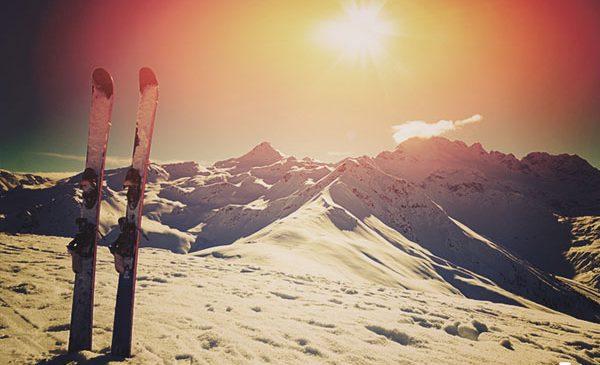 De abia astepti vacanta la schi? Iata recomandarile tripsta pentru destinatii unde te poti bucura de zapada mai devreme