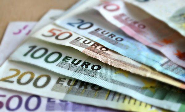 Cursul valutar si preturile din magazinele din Romania