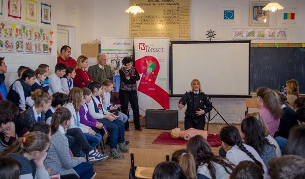 994 de elevi din oraşul Videle, Teleorman, ştiu să salveze vieţi datorită proiectului Smart & Safer