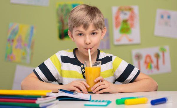 Trei pași ca să îi împrietenim pe copii cu fructele și legumele