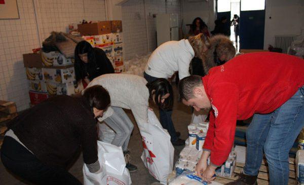 Crucea Roșie Română și Telekom Romania ajută persoanele afectate de ger și zăpezile abundente, din județele Călărași, Giurgiu și Ialomița
