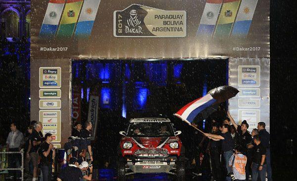 Raliul Dakar 2017 a început cu o etapă în lungime de 454 km: Asunción – Resistencia
