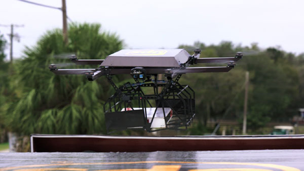 UPS testează livrarea rezidențială cu drone lansate de pe plafonul vehiculelor de coletărie