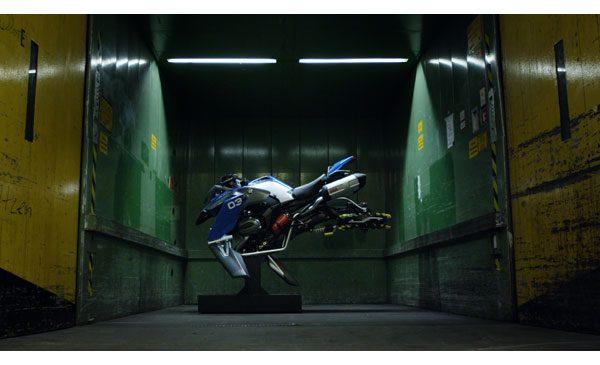 BMW Motorrad şi LEGO® Technic prezintă Hover Ride Design Concept