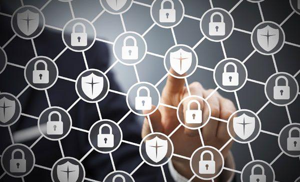 Securitate mai bună prin reţea definită software (SDN)