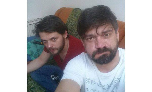 Doi actori români donează sânge în Praga pentru a se întoarce acasă