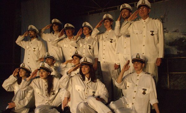 Marionete uriașe, parade, vals, step și muzică lăutărească în deschiderea stagiunii estivale a Teatrului Masca