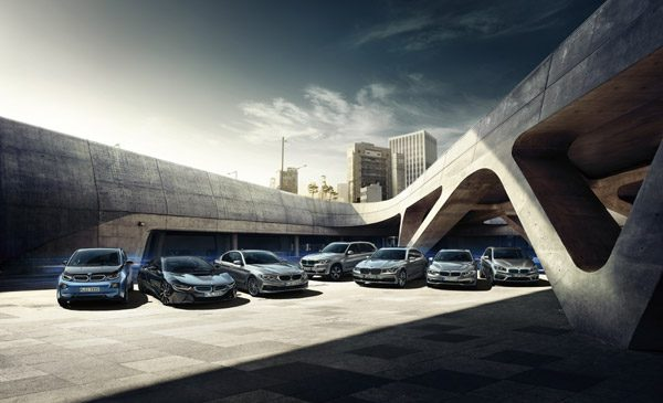 Succes pentru modelele BMW i – cote de piaţă record şi premii importante. Numărul unu în segmentul automobilelor electrice şi plug-in şi în România