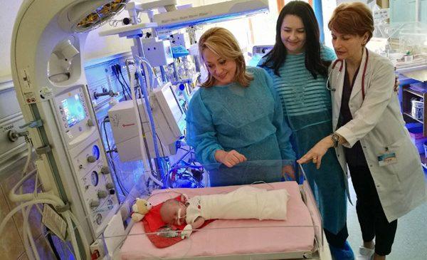 """Salvați Copiii a dotat cu aparatură medicală secția de neonatologie a Spitalului Clinic Municipal de Urgență și pe cea a Spitalului de Urgență pentru Copii """"Louis Țurcanu"""" din Timișoara"""