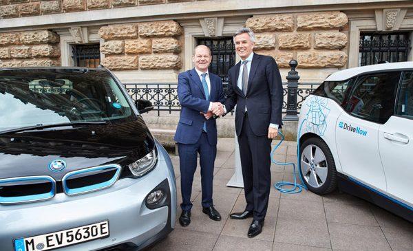 BMW Group şi Hamburg anunţă un parteneriat strategic pentru a oferi opţiuni de electromobilitate în tot oraşul Hamburg