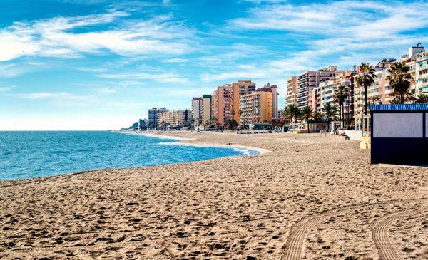 """Istvan Csanalosi, Wizz Tours: """"Spania, Portugalia, Italia sunt destinaţiile cele mai dorite pentru vacanţa la plajă din această vară"""""""
