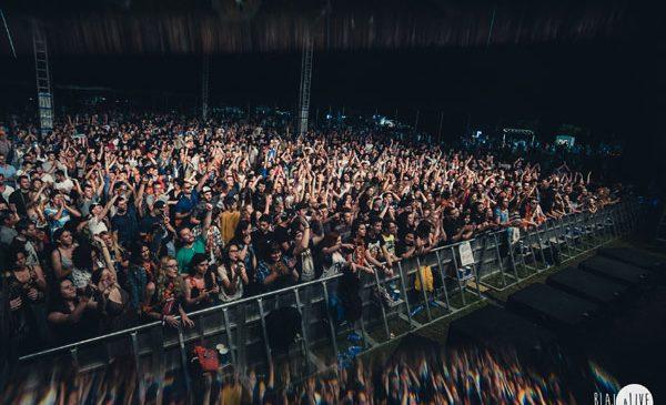 Marea Adunare de la Blaj aLive 2017 a reunit 10.000 de iubitori de muzică, natură și libertate pe Câmpia Libertății