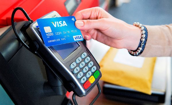 Visa răsplătește plățile contactless cu bilete la două dintre cele mai așteptate festivaluri ale verii