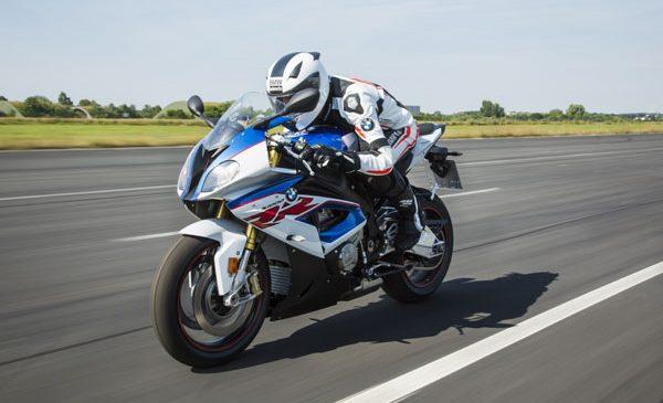 Proiecte pentru motorsport pe circuit prin BMW Motorrad România