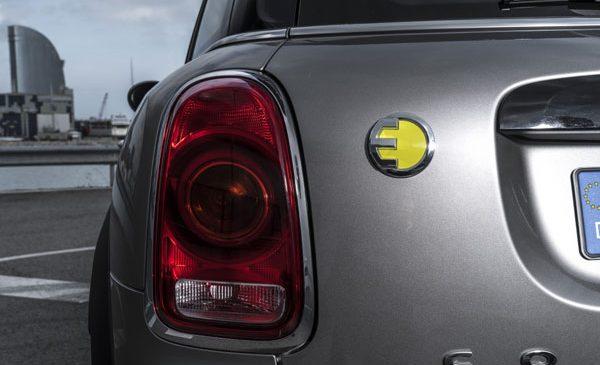 Două recorduri istorice pentru vânzările BMW Group: cea mai bună lună iunie şi cea mai bună primă jumătate a anului