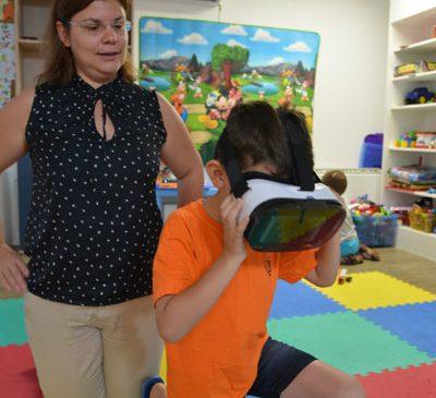 Peste 100 de copii diagnosticați cu boli incurabile vor beneficia de terapie prin tehnologie