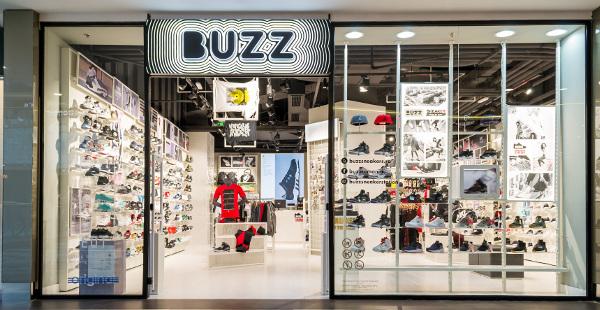 BUZZ Sneaker Station România