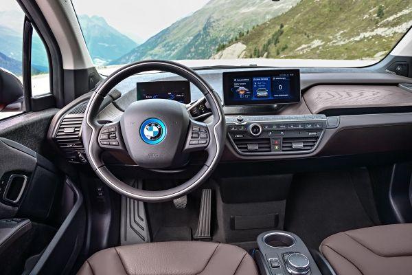 Noul BMW i3s console