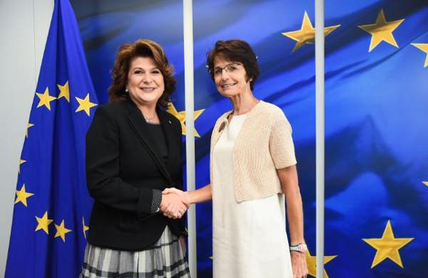 Rovana Plumb - comisarul european Marianne Thyssen