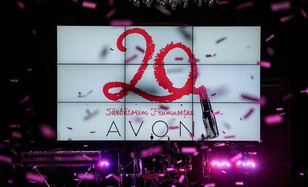 AVON împlinește 20 de ani de când sărbătorește frumusețea femeilor