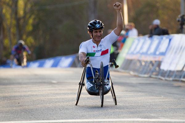 Al zecelea titlu mondial pentru Alessandro Zanardi, Italia, proba de paraciclism stafeta