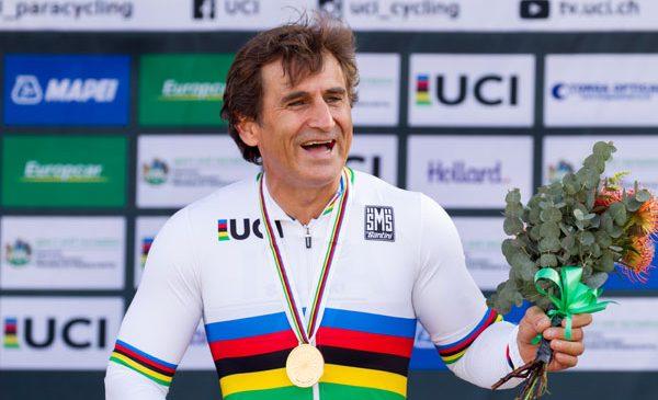 Ambasadorul mărcii BMW Alessandro Zanardi şi-a apărat titlul mondial la paraciclism în proba de contratimp