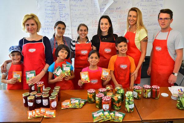 Copiii din organizatia SOS Satele Copiilor au preparat bunatati pentru toamna