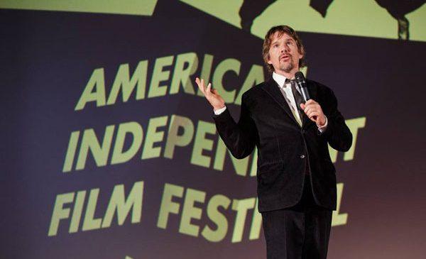 Apariția lui Ethan Hawke la American Independent Film Festival, urmărită pe Instagram stories de zeci de mii de oameni