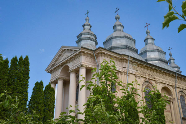 Manastirea Frumoasa. Vedere exterioara