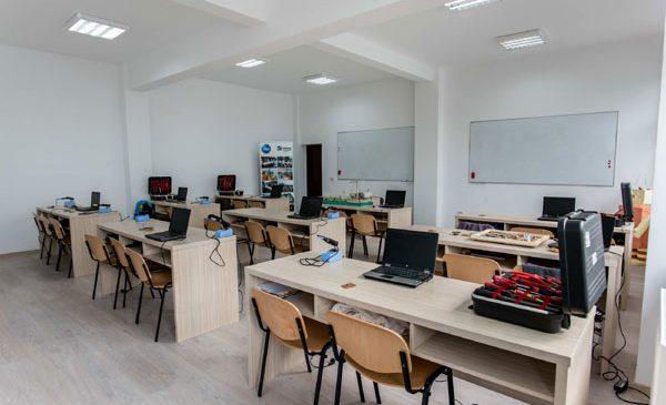 P&G și Habitat for Humanity România au inaugurat o nouă sală de clasă în Urlați