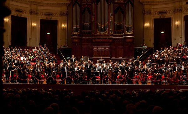 Mari orchestre ale lumii şi artişti internaţionali – în direct la TVR 3