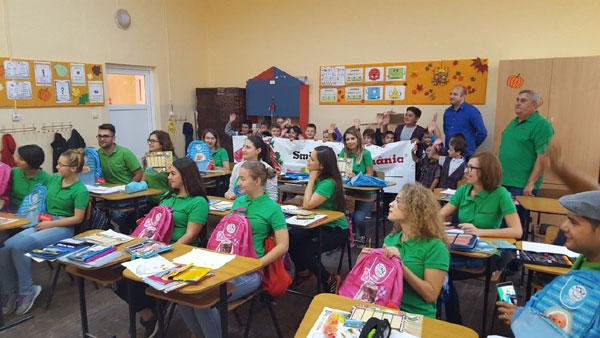 Peste 40.000 de preşcolari şi şcolari din judeţele Timiş şi Arad beneficiază de programul de sprijin al accesului la educație inițiat de Smithfield România