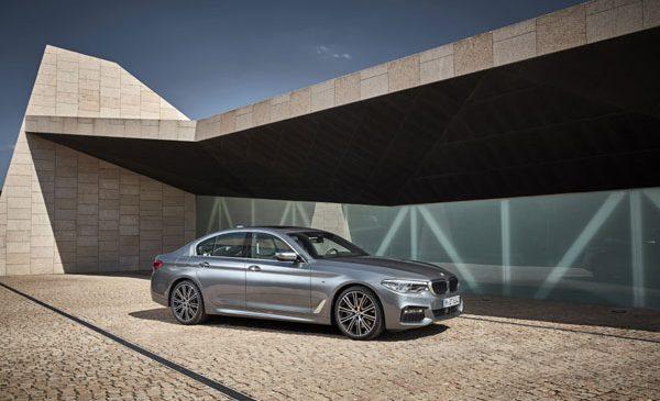 """Succes în conectivitate şi design: BMW obţine şase premii din partea revistelor germane """"auto, motor und sport"""" şi """"CHIP"""""""