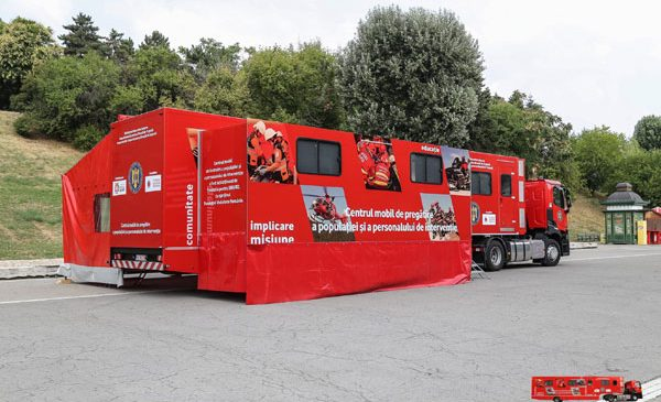 """Caravana SMURD """"Fii pregătit"""" a ajuns în 60 de localități din întreaga țară și a instruit peste 20.000 de persoane în acordarea primului ajutor"""