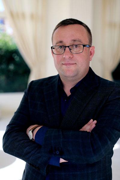Adrian Andreias, Hosterion