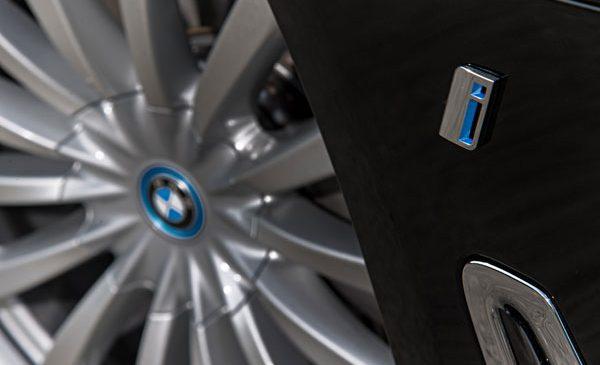 Vânzările de automobile electrificate ale BMW Group au depăşit 10.000 de unităţi în septembrie
