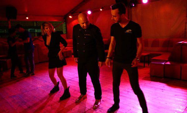 Chef Scărlătescu și Gina pregătesc dansul mirilor