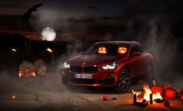 Se petrece ceva misterios – dovleacul de Halloween a fost văzut la volanul BMW X2