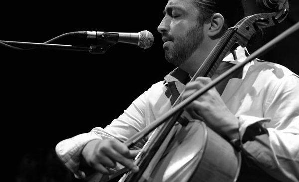Violoncelistul Adrian Naidin, în premieră la Baia Mare, Satu Mare și Târgu Lăpuș