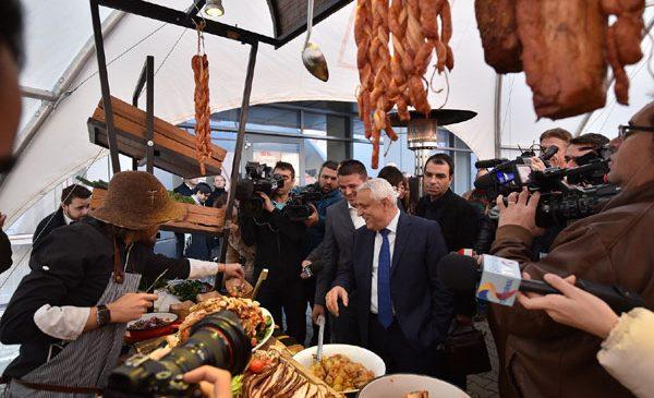 Kaufland România și Cooperativa Țara Mea inaugurează primul program național pentru carne de porc 100% românească