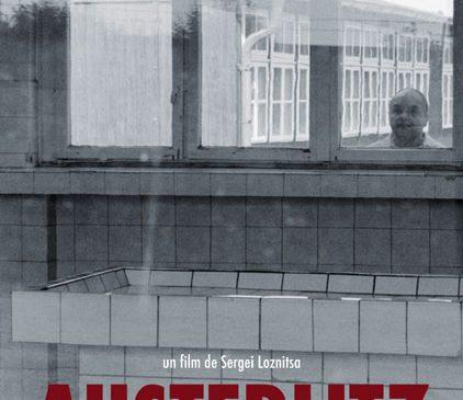 """Turismul în fostele lagăre de concentrare: """"Austerlitz"""" din 24 noiembrie în cinematografe"""