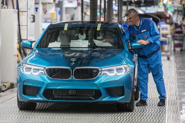 Der neue BMW M5 läuft im BMW Group Werk Dingolfing vom Band