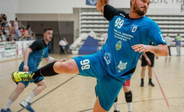 Handbalistul Iulian Stamate a semnat cu echipa AHC Potaissa Turda
