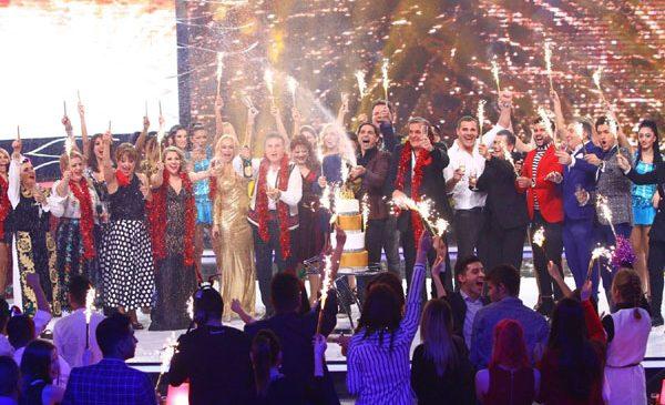 Măști de basm și cele mai iubite vedete, la Revelionul Starurilor 2018, prezentat de Dan Negru, la Antena 1