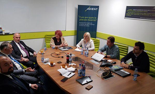 Producătorul de scaune auto ADIENT susține învățământul profesional dual în fabricile din România