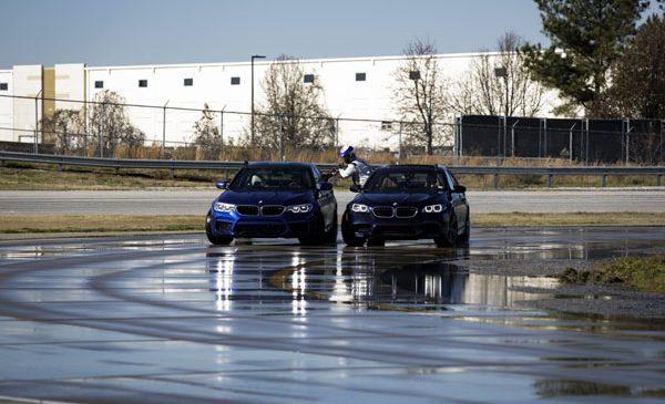BMW stabileşte două recorduri mondiale pentru drifting cu noul BMW M5