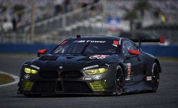 """BMW Seria 8 debutează întâi pe circuit: BMW M8 GTE debutează în competiţii la """"Rolex 24"""" de la Daytona"""
