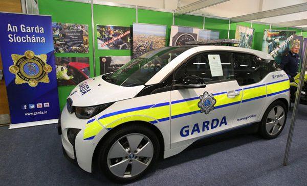 BMW i3 în teste pentru Poliţia Irlandeză, An Garda Síochána